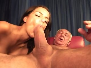 Hot youthful Hussy inhales A Monstrous rod Of patriarch parent freeporn
