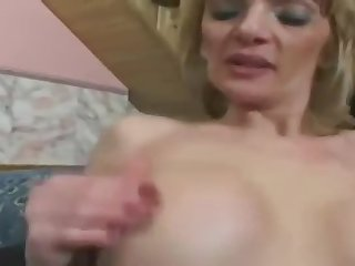 Sexy experienced woman Jennifer Toth gets a blarney in the ass
