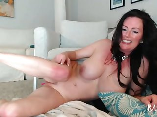 Perfectly Milf Tramp Live Webcam Tease